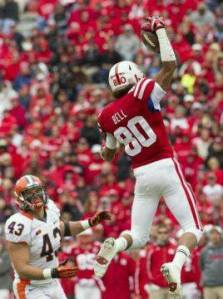 Memo to Tommy Armstrong:  The afro makes Kenny Bell appear taller than he really is.